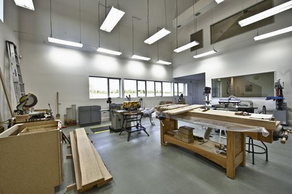 کارگاه خدمات استودیویی - نصب و طراحی